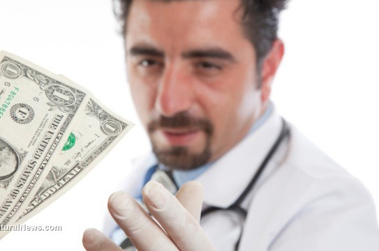 Doctor-Money-Bribing