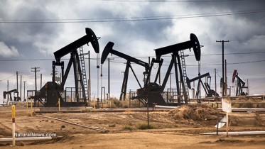 Oil-Well-Pumps-Field-Clouds
